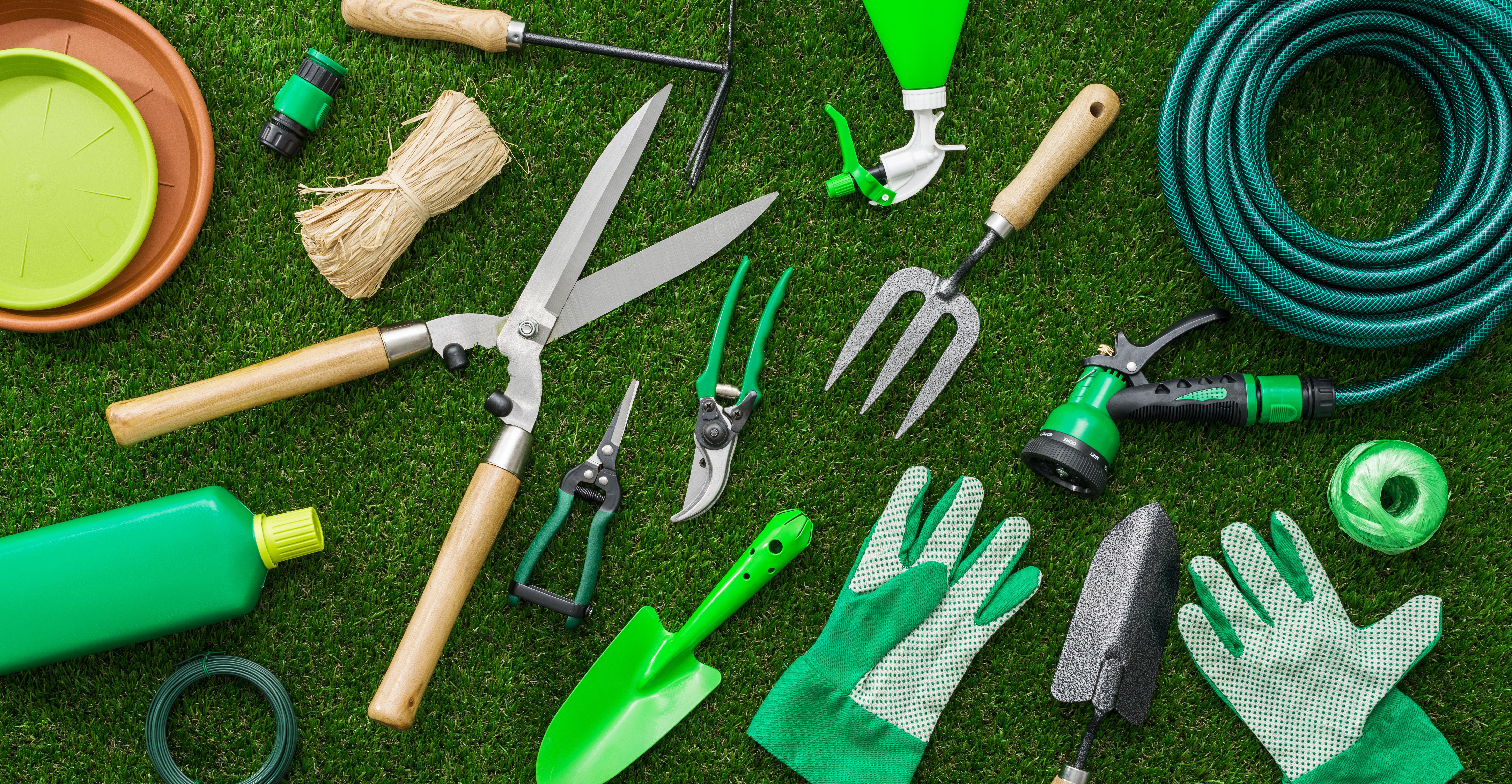 As ferramentas de jardim essenciais para o seu espaço